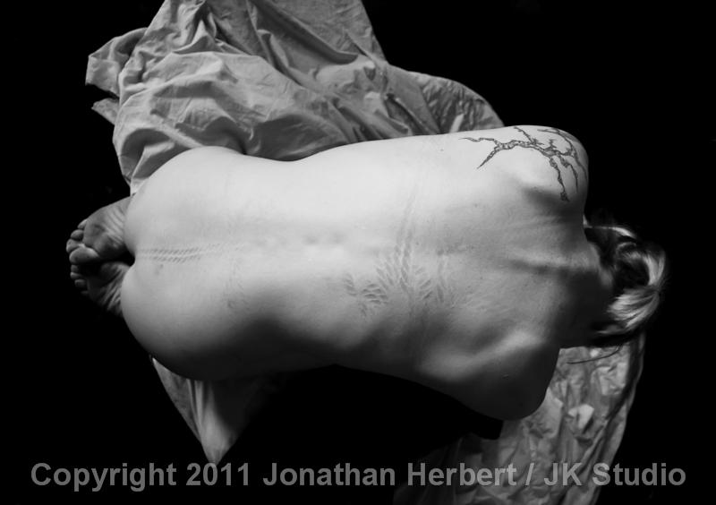 Jonathan Herbert | erotic photograph | BDSM |kerry200810300037.jpg B&W Canon5DmkII